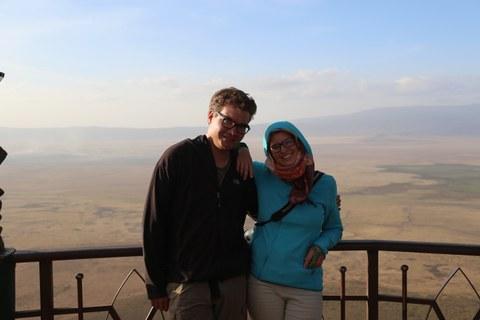 Lucas Hillringhaus und Rena Kristin Deppe am Ngorongoro-Krater in Tansania